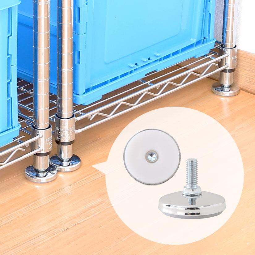 <span>がっちり安定感のヒミツは底面!</span>抜群の安定性の秘密は底面のポリプロピレン素材。強度と耐熱性が高く、床に吸い付くような樹脂クッションでフローリングにも優しい素材です。