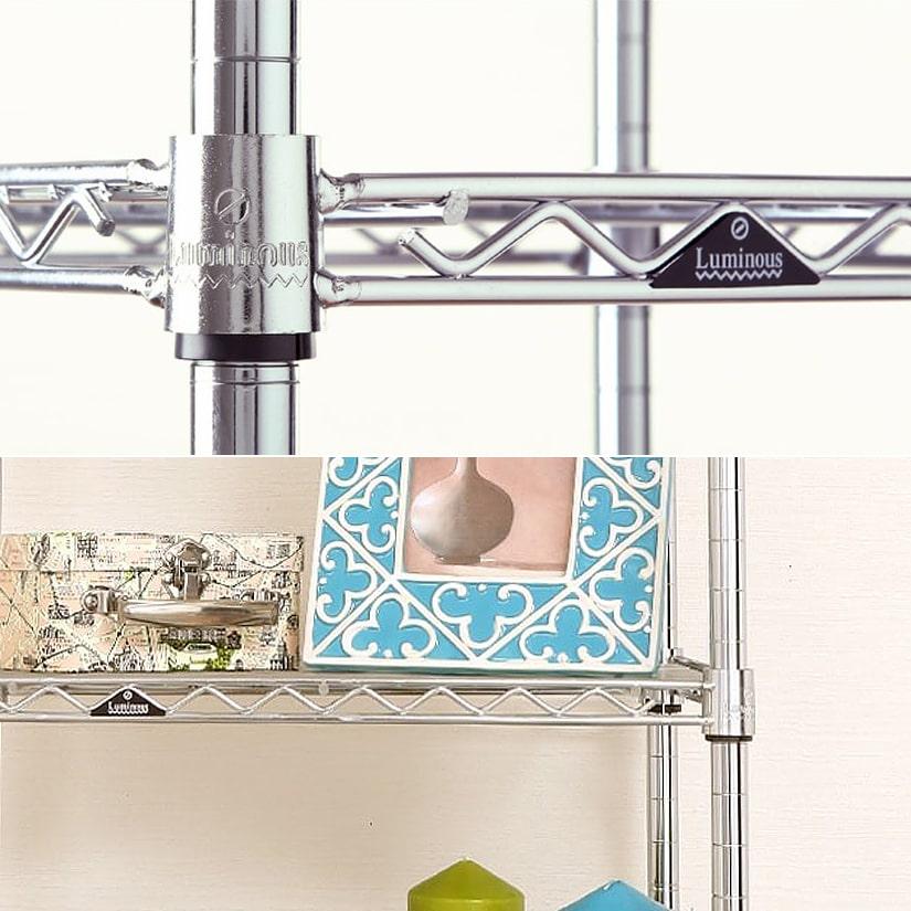 <span>美しいシルバーの輝き、ワイヤーシェルフ</span>シルバーカラーのスチールシェルフはシンプルなデザインで、場所を問わず使いやすく、清潔感があります。