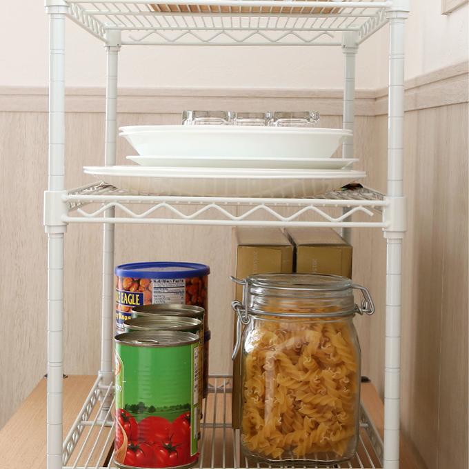 <span>スリムな奥行30タイプ!</span>奥行はコンパクトなサイズ設計で、狭いキッチンにも場所を取らずに設置可能。