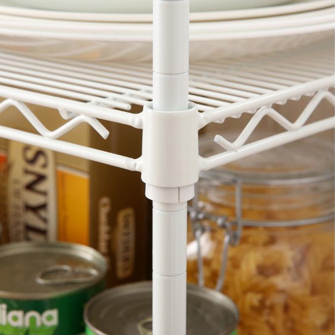 <span>爽やかなホワイトカラー</span>スチールは清潔感のあるホワイトカラー。細身のポール径12.7mmだから、圧迫感もありません。