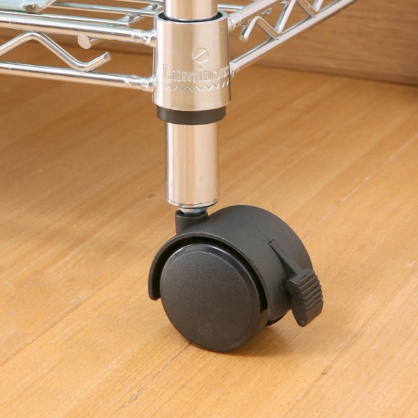 <span>割れづらいナイロン素材</span>素材にはしなやかで頑丈なナイロン樹脂を採用!割れづらくスムーズな車輪回転を実現。耐熱性も高く、衝撃にも強い素材が魅力。