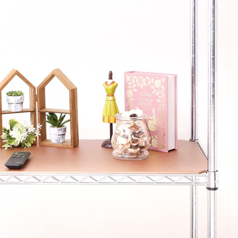 <span>品よくゴージャスな「ブロンズ」</span>ちょっぴりゴージャスで華のある「ブロンズ」は、明るい暖色でお部屋をぱっと明るくしてくれます。