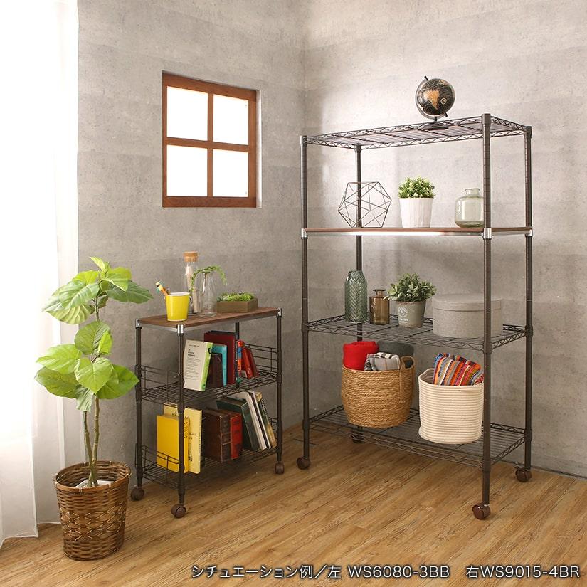 <span>統一感を出しておしゃれな空間に</span>ナチュラルな素材感が魅力の木製シェルフは、どんなお部屋にもなじみやすく、お部屋が作りやすい所もポイント。