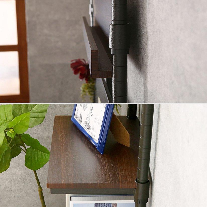 <span>最大奥行はスリムな約25cm!狭い玄関などにも最適</span>壁面ラックだから、奥行はとってもスリム!一番奥行のあるハーフシェルフ部分(画像下)でも奥行は約25cmしかありません。狭い玄関や、廊下用の収納に最適です。