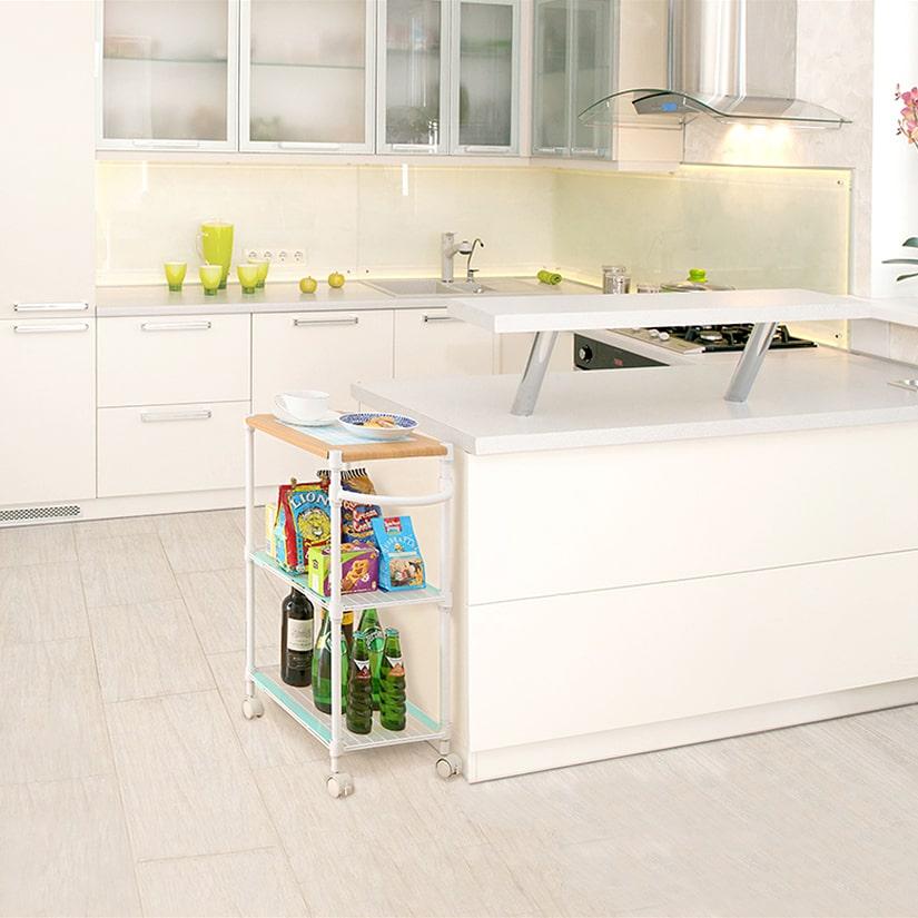 <span>キッチンワゴンにピッタリ!</span>キッチンに小物を収納するにも便利!足元をキャスターにすれば、食事時にそのままテーブルに移動でき、運ぶ手間が省けます。